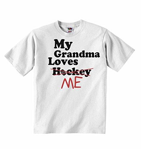 My grandma loves me not hockey–t-shirt per bambini con scritta personalizzata tee abbigliamento unisex t-shirt–bianco–4–5anni