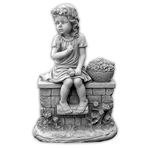 gartendekoparadies.de Wunderschöne Massive Mädchenfigur auf der Mauer Kinderfigur aus Steinguss frostfest
