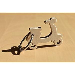 Kleiner Motorroller aus Holz - als Schlüsselanhänger