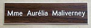 plaque de boite aux lettres ou porte personnalisée 1 ligne fond noyer ft 25x100 mm finition biseautée
