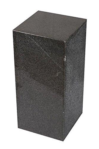 floristikvergleich.de Säule aus seltenem Granit, dunkelgrau, handgearbeitet, zusammengesetzt und dennoch sehr massiv und solid, als Sockel für Skulptur, Büste, Vasen, Lautsprecher, oder Galeriesockel, Blumensäule, Deko und Schmucksäule, Schlicht und modern Optik, Standfest, ideal für Wohnraum, Terrasse, Balkon oder Garten, H/B/L: 60x28x28cm, Gewicht: ca. 50KG