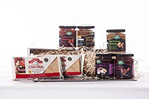 Scottish Hamper - Arran - Great selection of Scottish Chutney and oat cakes from Ukgiftbox.com