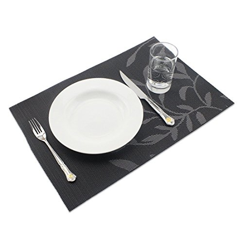 kiss me Placemats 30x45cm Placemat Non-slip Washable Table mats made of PVC Wear-resistant Heat-resistant Placemats Dirt-repellent and washable, space mats for kitchen dining table placemats (Black,4 in a pack)