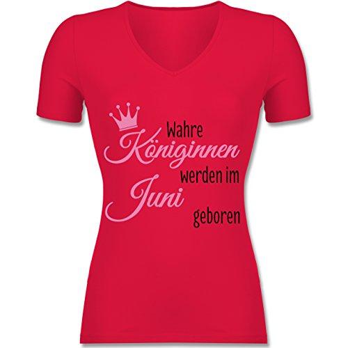 Geburtstag - Wahre Königinnen werden im Juni geboren - Tailliertes T-Shirt mit V-Ausschnitt für Frauen Rot