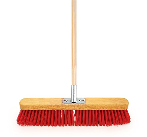 18-wide-heavy-duty-stiff-pvc-sweeping-brush-equestrian-yard-broom-fitted-with-metal-bracket-and-supp
