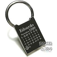 Stickeredo. Portachiavi in metallo lucido, personalizzato con incisione nome e data. Idea regalo per San Valentino, compleanno,fidanzamento, matrimonio, nascita o per ricordare una data cara