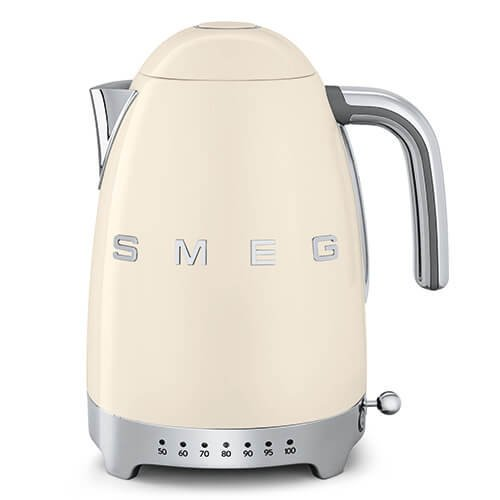 A photograph of Smeg Retro Style 1.7L