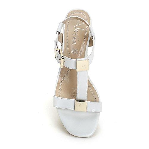 ALESYA by Scarpe&Scarpe - Sandalen mit Absatz und vergoldetem Accessoire, Leder, mit Absätzen 4 cm Weiß