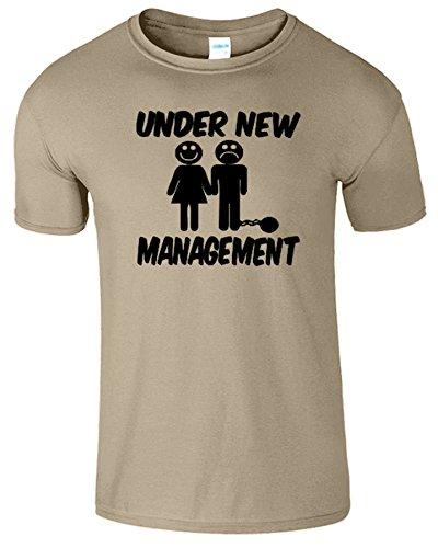Under New Management Frauen Der Manner Damen Mens T-Shirt Sand / Schwarz Design