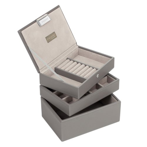 mini-stackers-la-collection-de-3-boites-a-bijoux-empilables-taupes-avec-la-doublure-grise