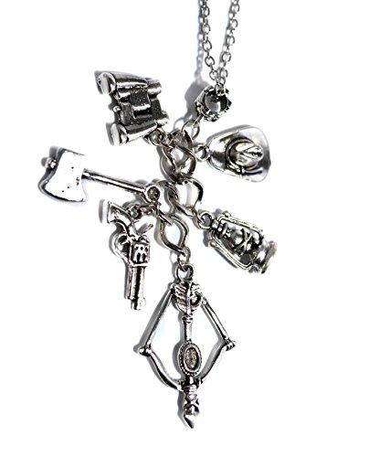 rms Halskette - Zombie-Anhänger mit Armbrust, Fernglas , Beil, Pistole und Rick Grimes Sheriff-Hut (Geburtstag Fernglas)