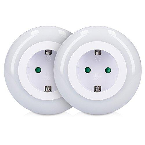 kwmobile 2x LED Nachtlicht Zwischenstecker - 2er Set Schlummerlicht mit Dämmerungssensor und 3 Farben - Steckdosenlicht Stecker für Kinder Babys