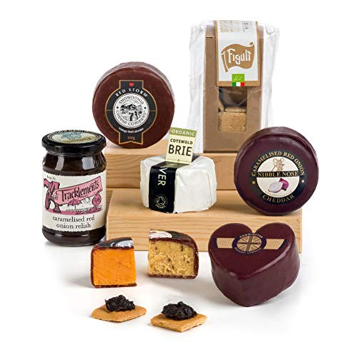 Hay Hampers Love Heart Cheese Selection w Crackers & Chutney Hamper Box - Free UK delivery