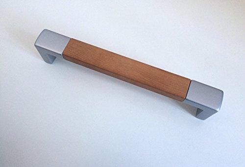 Maniglia moderna per cassetti mobili armadi cucine finitura terminali argento e presa ciliegio con distanza tra i fori 160 mm, cod. 717