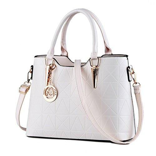 Auspicious beginning Triangolo conica Handle Women Handbag con pendente in metallo carino beige bianco