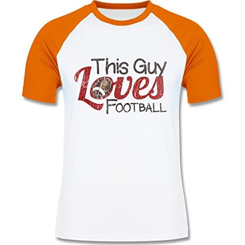 Football - This Guy loves Football - Vintage look - L140 Männer Raglan Baseball Shirt Weiß/Orange