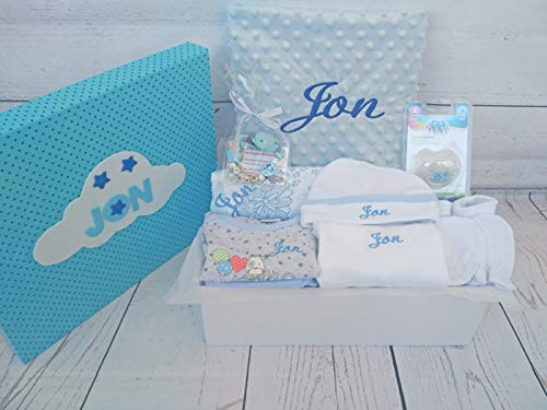 Set Regalo Bebé - Canastilla personalizada hospital para niña o niño, el regalo perfecto para recién nacido. Manta, capa de baño, doudou y mucho mas.