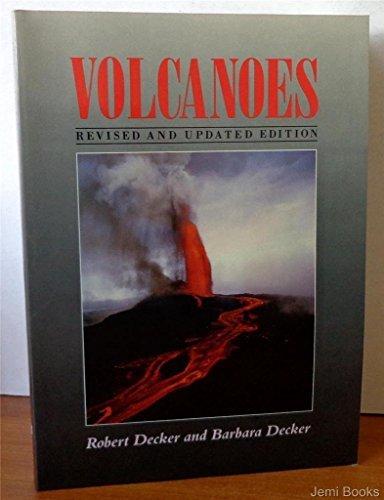Volcanoes by Robert W. Decker (1989-09-30) par Robert W. Decker;Barbara Decker