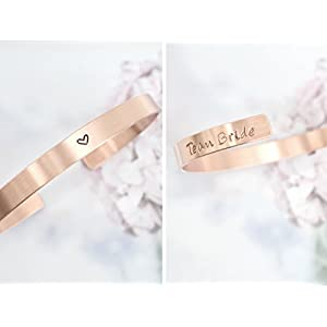 personalisierter, individualisierter Team Bride Armreif aus Kupfer 6mm breit handgestempelt mit Herz (geschwärzt) glänzend