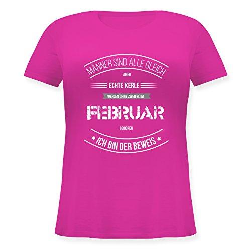 Shirtracer Geburtstag - Echte Kerle Werden IM Februar Geboren - Lockeres Damen-Shirt in Großen Größen mit Rundhalsausschnitt Fuchsia