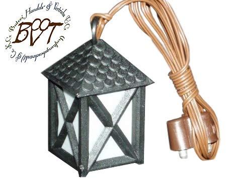 Krippenbeleuchtung Krippendeko - Laterne Höhe 25 mm 2,5 cm WEISS für Batterie - Betrieb ca. 4,5 V oder Trafo / 230 V 4,3 V geeignet, für kleine Weihnachtskrippe Weihnachtskrippen Modellbau Weihnachten Modelleisenbahn usw. Schwarz historische Laternen schwarzes Gehäuse Schindel - Nachbildung komplett MIT Lampe / Lämpchen Licht weiß L25we Krippenbeleuchtung Beleuchtung Licht