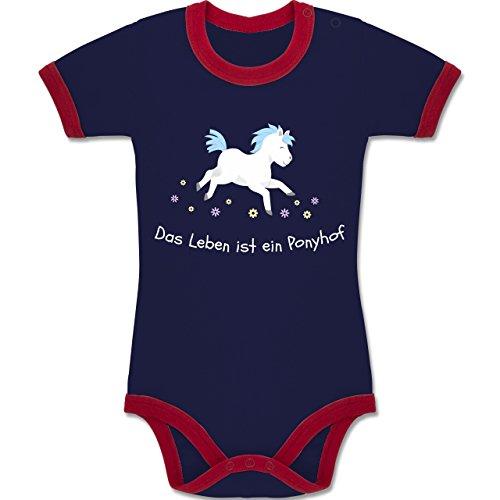 Tiermotive Baby - Das Leben ist ein Ponyhof - 6-12 Monate - Navy Blau/Rot - BZ19 - Zweifarbiger Baby Strampler für Jungen und Mädchen (Das Ist Mädchen Leben Gut Shirt)