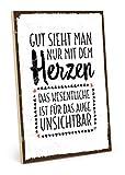 TypeStoff Holzschild mit Spruch – Man Sieht NUR MIT DEM Herzen GUT – Shabby chic Retro Vintage Nostalgie deko Typografie-Grafik-Bild bunt im Used-Look aus MDF-Holz (19,5 x 28,2 cm)