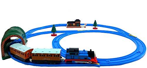 Brigamo 553 – Elektrische Eisenbahn Zug Set mit Thomas Lokomotive und Anhänger, umfangreiche Startpackung - 5