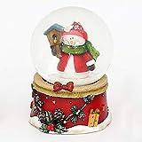 Dekohelden24 Mini-Schneekugel mit Schneemann, roter Sockel mit Zapfengirlande, Maße L/B / H: 4,8 x 4,8 x 6,5 cm Kugel Ø 4,5 cm.
