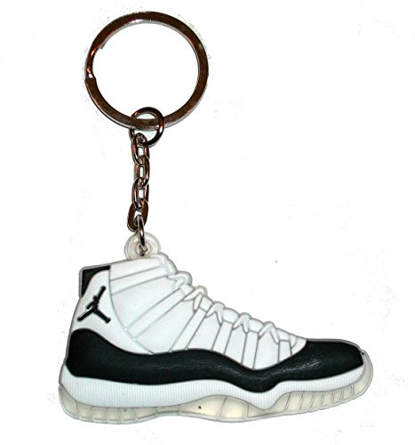 air-jordan-11-keyring-keychain-white-black