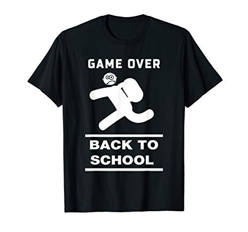 Spiel vorbei Student läuft lustig zurück zu Schule  T-Shirt