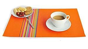 iNeibo Kitchen tovagliette americane plastica(PVC), elegante e durevole, un Set da 4 tovagliette colori vivaci per sala da pranzo, antiscivolosi, anti-olio, facile da pulire, dimensioni(450×300mm/arcobaleno arancione)