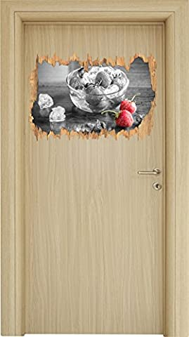 Frische Erdbeeren in Eiswürfeln Schwarz/Weiß Holzdurchbruch im 3D-Look , Wand- oder Türaufkleber Format: 62x42cm, Wandsticker, Wandtattoo, Wanddekoration
