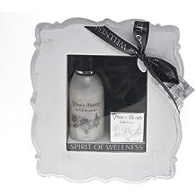 Cuadro Treffina regalo con cosméticos y de baño en el marco de madera blanca