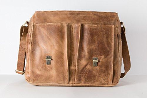 HOLZRICHTER Berlin Studio (M). Handgefertigte große Messenger Umhängetasche aus Leder. Hochwertige Ledertasche als Bürotasche, Lehrertasche oder Unitasche in camel braun Camel