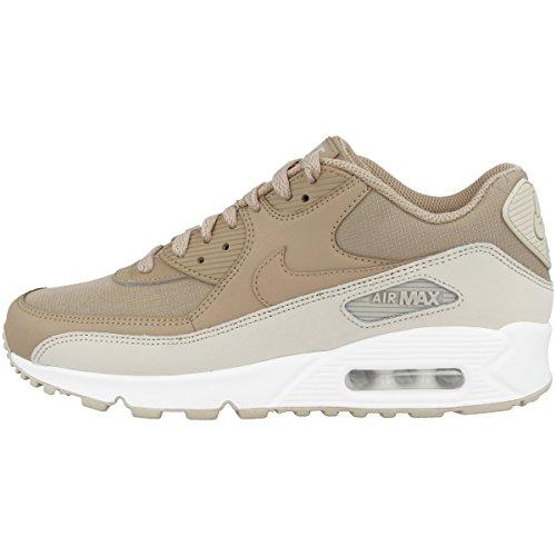 12fa6f6704b Nike Men s Air Max 90 Essential Gymnastics Shoes