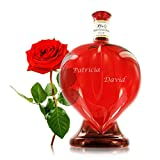 Wein in der Herzflasche mit individueller Namens-Gravur als persönliches Liebes-Geschenk