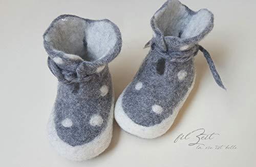 Babyschuhe 2. bis 9. Monat, Filzschuhe, Babystiefel Geburt, Geschenk, filZeit, Punkte, weiß, grau