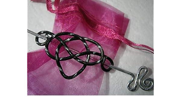 Kleine Tuchnadel keltischer Knoten Aluminium in schwarz silberfarben als Geschenk