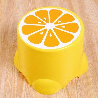 Kunststoff Polsterung Umsetzung der Familie Kind Cartoon Hocker rund-Implementierung anti-skid Bänke für Erwachsene Stuhl Langsame Schuhe Tabelle der Implementierung von Umsetzung Grandi 3713 limone -