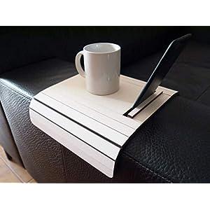 Holz sofa armlehnentisch mit handy und ebook reader stehen in vielen farben wie weiß Armlehnentablett Moderner tisch für…