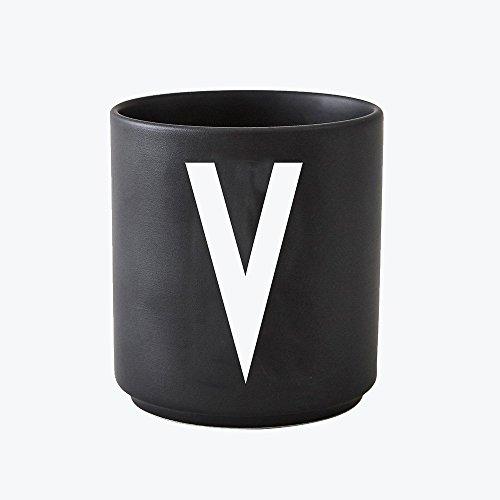 Design Letters - Becher - Buchstabentasse - Buchstabe: V - Porzellan - Schwarz - Arne Jacobsen