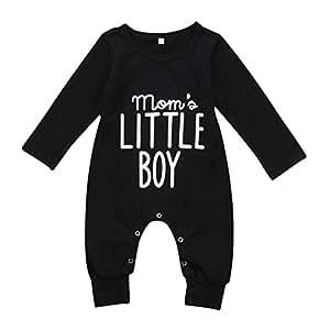 """Tutina per neonato con scritta stampata in inglese """"Mom's Little Boy"""""""