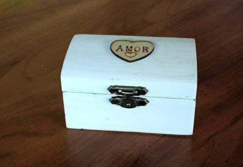 Anello box scatola di legno bianco con Amore cuore, rotolo in tela e pizzo bianco. 8.5x5x4,7 Misure cm.