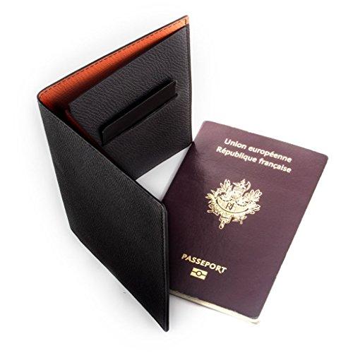 Maroquinerie Paris - Etui porte passeport : cuir veau grainé noir. Protège passeport luxe.