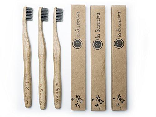 Design Bambuszahnbürsten im 3er-Pack - ein ästhetischer Blickfang im Badezimmer dank schlichtem und modernem Design - ökologisches Zähneputzen dank plastikfreier und veganer Zahnbürsten aus Bambusholz - ein angenehmes Zahnputzgefühl ohne Plastik - Recycling Verpackung - 4