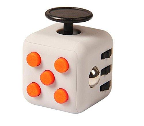 Annein Stresswürfel wie Fidget Cube als perfektes Spielzeug für unterwegs, bei der Arbeit oder im Wartezimmer (E)