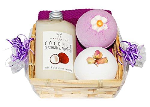 Wellness Geschenkset 5 tlg. SPA Kokos Duschbad und Shampoo, 2 x Badebombe, Seiftuch lila im Bambuskorb