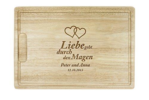 """Schneidebrett mit besonderer Gravur\"""" Liebe geht durch den Magen\"""" - Motiv [HERZEN]- Personalisiert mit [WUNSCHNAMEN] und [DATUM] - Küchenbrett aus 2 cm dicken Gummibaumholz mit Saftrille - 40 cm"""