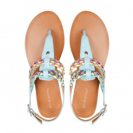 Ideal Shoes - Sandales plates avec lanières tressées et colorées Maiane bleu ciel